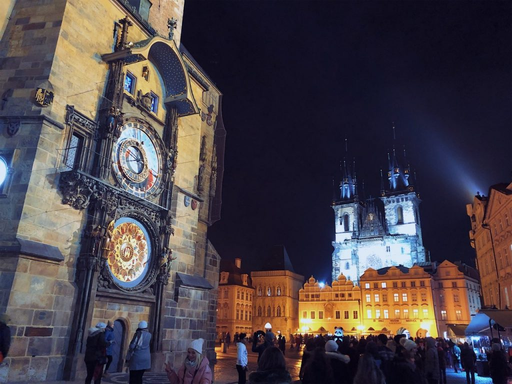 the astronomical clock in Pragueat night