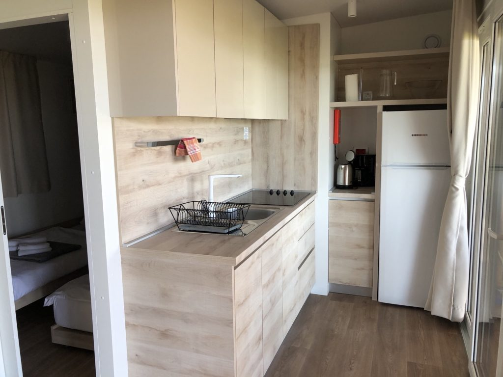 A fine kitchen at a mobile home in camp Crkvine